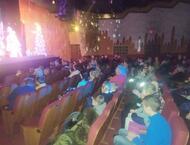100 юных нижегородцев получили бесплатные билеты на новогоднее представление в театр комедии