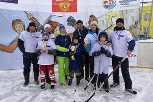 Тонкинский женсовет стал одним из соорганизаторов  фестиваля «Люблю папу, маму и хоккей»