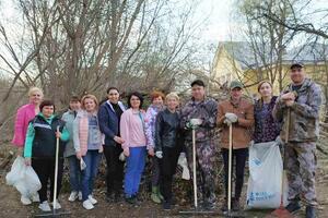 Члены Совета женщин Балахнинского округа приняли участие в субботнике на Мининском пруду