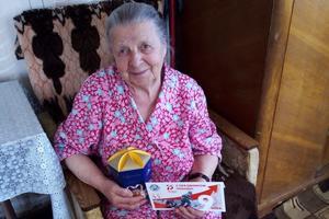 Волонтеры нижегородских женсоветов поздравили ветеранов с Юбилеем Победы
