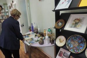 Силами женсовета организована выставка прикладного искусства