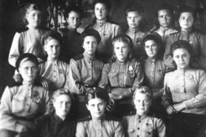 """Подведены итоги областного фотоконкурса """" Женское лицо войны""""."""