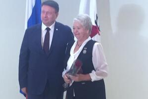 Лидер женсовета Ленинского района Альбина Смирнова удостоена городской награды.