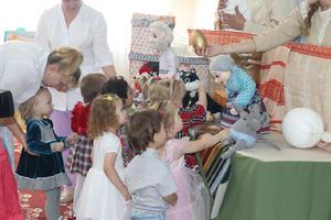 Наталья Маркова: «Ко Дню матери актив Областного совета женщин  обязательно старается  навестить малышей и мамочек, оказавшихся в непростой ситуации»